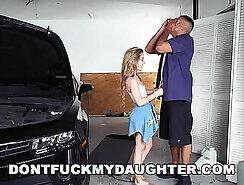 Big body police Alyssa Gets Her Way With Daddys Friend