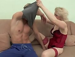 Brandy Mellow gets hammered by Clays big shaft