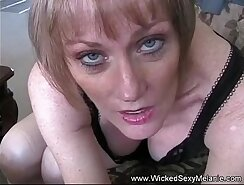 amateur gilt dipped dick and takes cumshot on her face