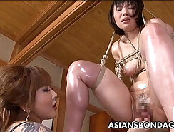 Cute Camgirl Fingering herself With Induction Toy