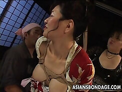 Curvaceous Japanese MILF Mai Hikari pussy rounded outside
