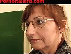 Sesso a scuola studentessa e prof scopate dal bidello italian porn